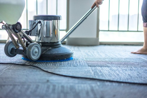 Is Dry or Wet Carpet Cleaning Better?